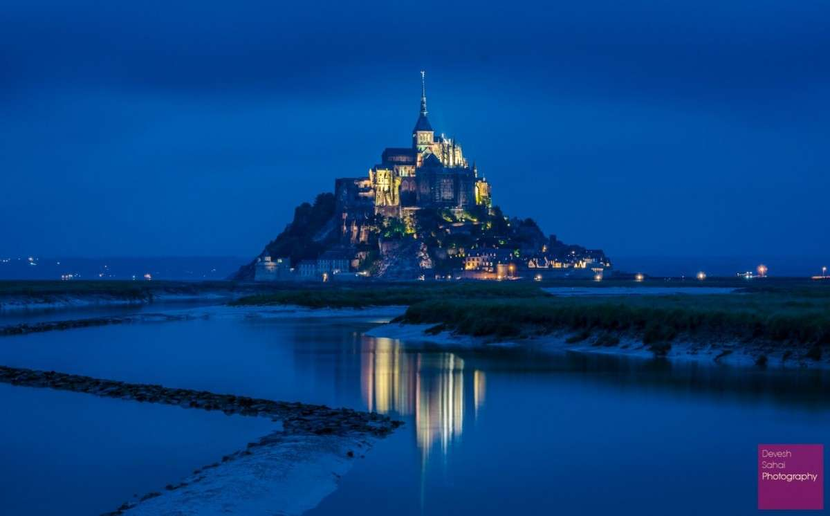 le mont st michel at night