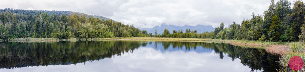 Panoramic view of Lake Matheson, New Zealand