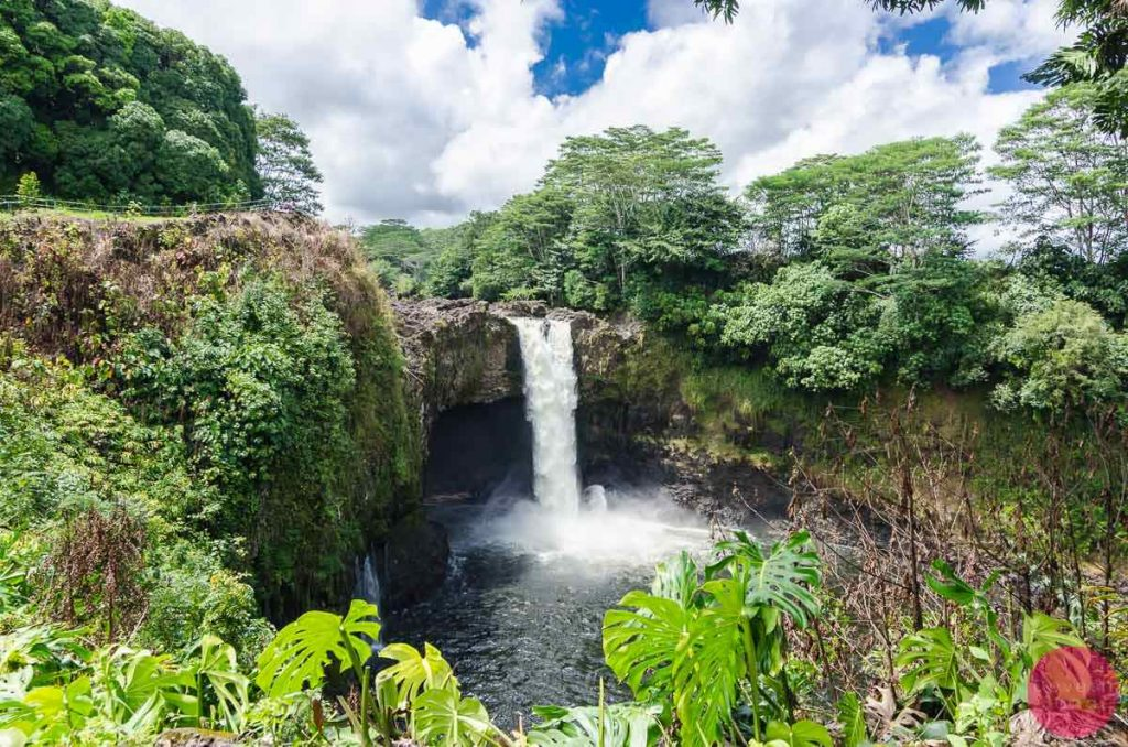 The Gorgeous Rainbow Falls, Hilo