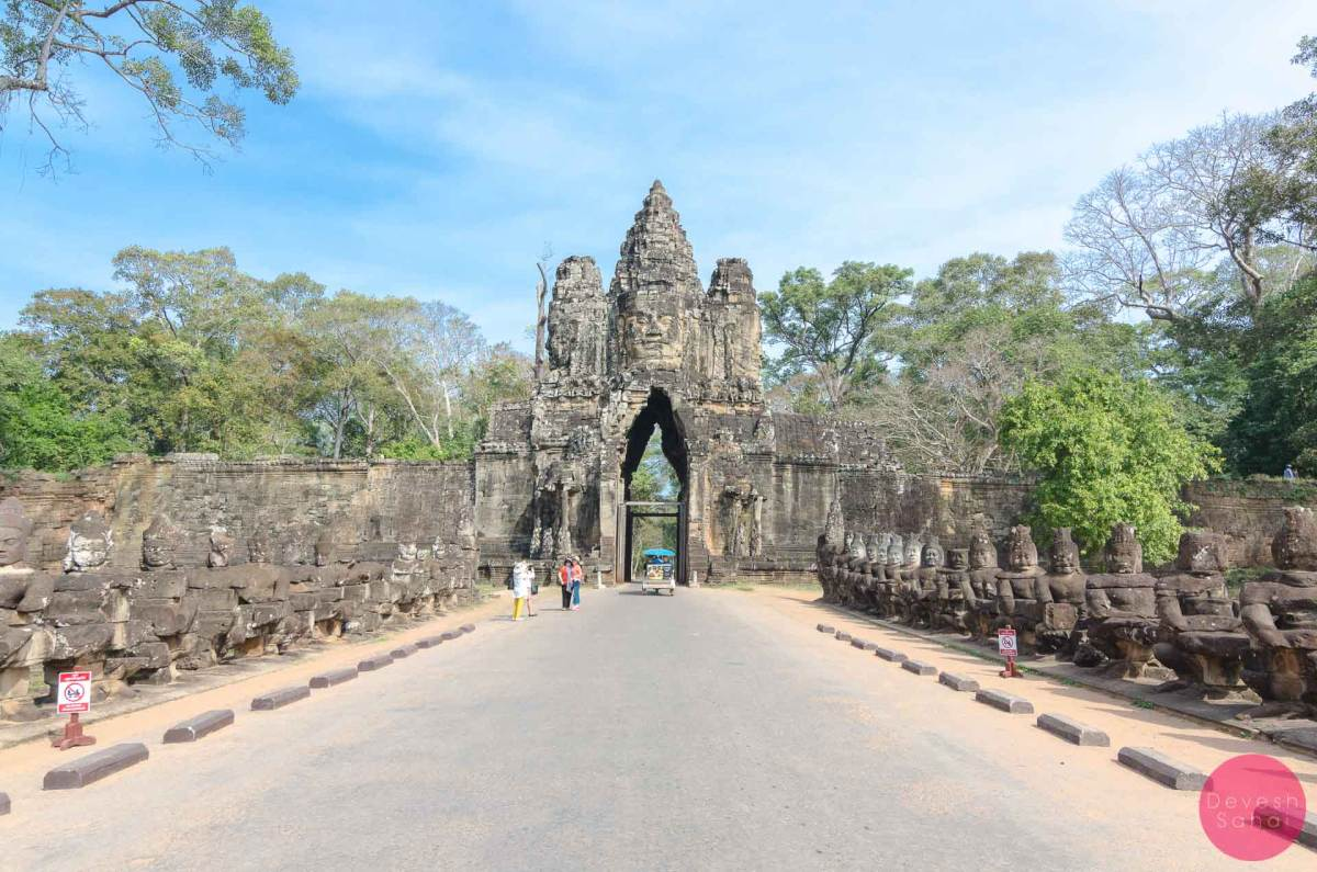 south gate entrance to angkor thom