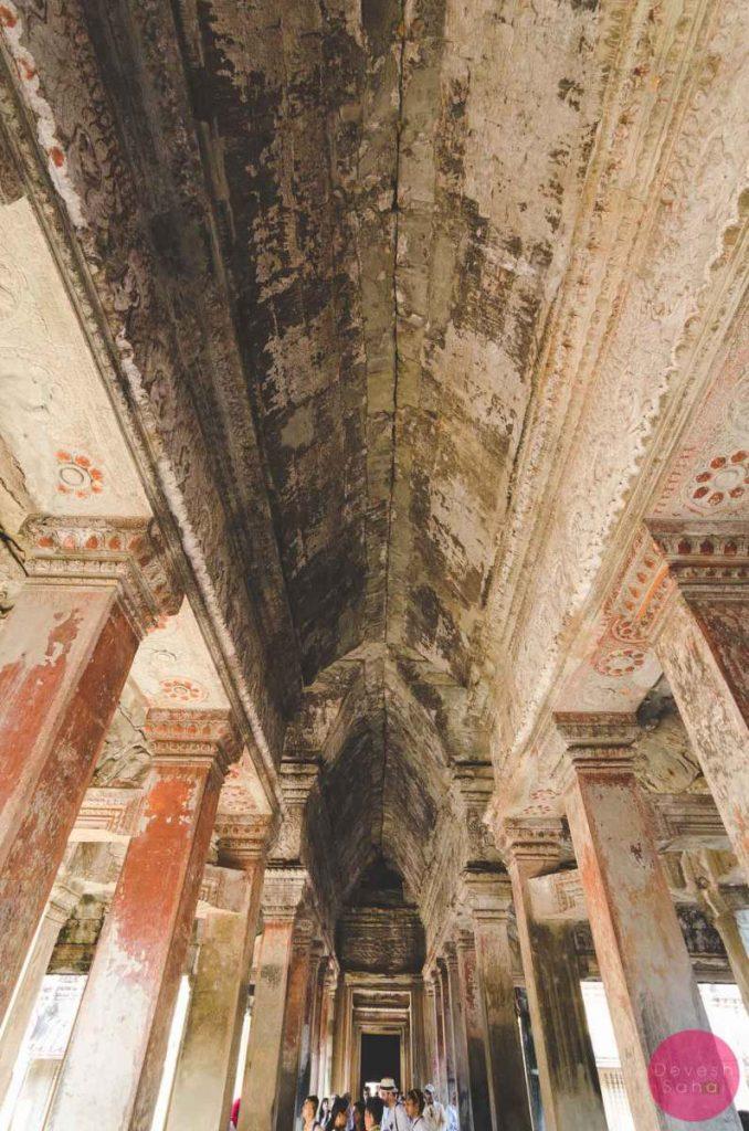 angkor wat inside ceiling