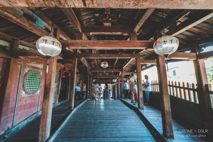 inside japanese covered bridge hoi an