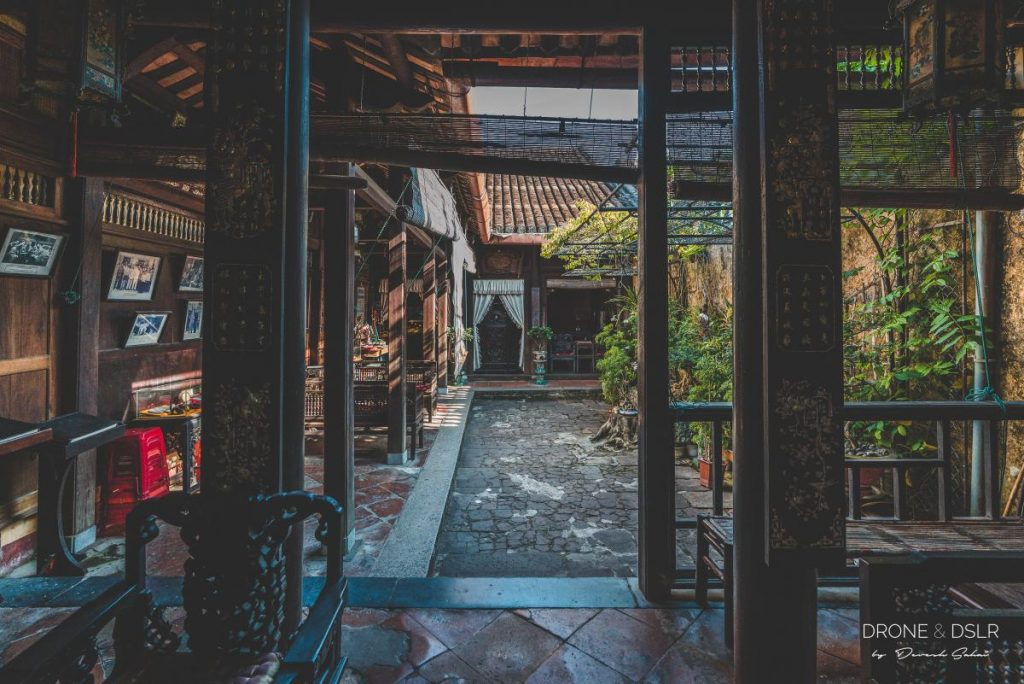 duc an old house hoi an vietnam