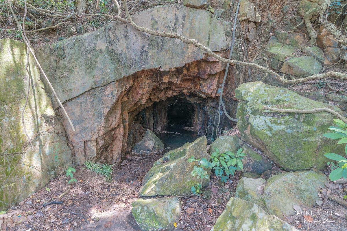 kamikaze cave lamma island